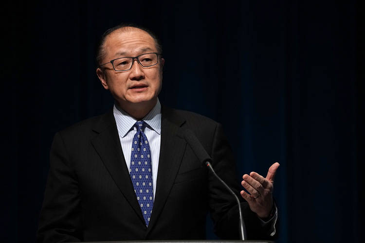 Jim Yong Kim, presidente della Banca Mondiale © Alex Wong/Getty Images