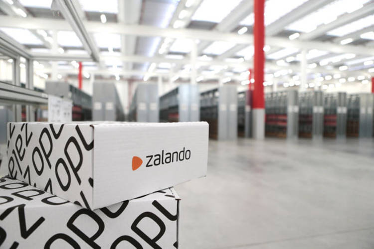 hot sale online 89f4c 2893a Zalando sfida Amazon e investe in Italia