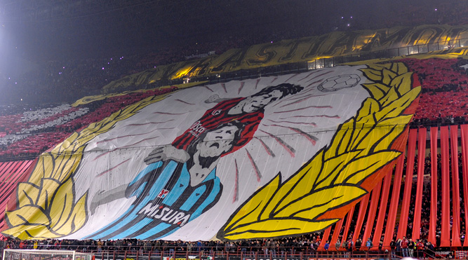 Derby verso sold out, record per Milan